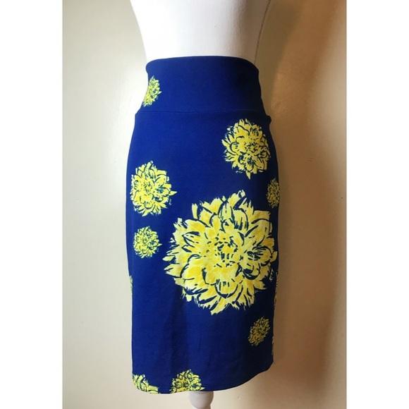 LuLaRoe Dresses & Skirts - Lularoe • NWOT Cassie Skirt